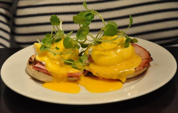 brunch eggs benedict blog